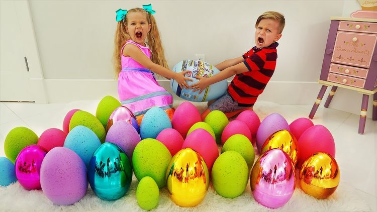 Diana-and-Roma-pretend-play-Easter-Surprise-Eggs-Hunt