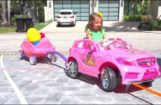 Katy-ride-on-kids-car-to-Egg-Hunt
