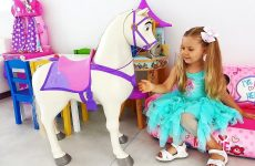 Diana-play-with-Rapunzel-Doll
