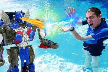 Igry-s-Transformerami-v-Akvaparke-Akvatim-protiv-Optimusa-Video-shou-dlya-detej