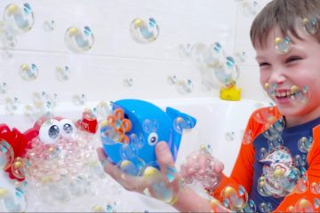 Katy-and-Max-playing-with-Bath-bubbles-Kids-show-How-to-have-a-bath-Kid-Song