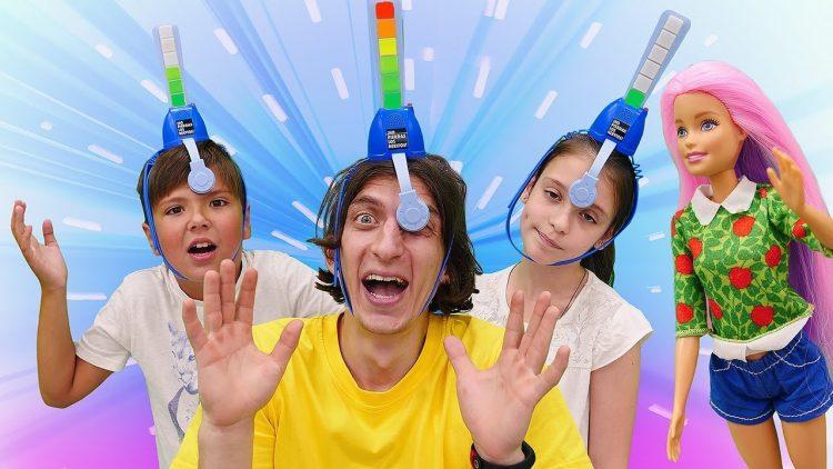 Novye-igry-Super-CHellendzh-Ne-zasmejsya-Video-prikoly-dlya-detej-s-igrushkami
