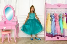 Sofia-Dresses-Up-for-Ball-and-her-new-Princess-room