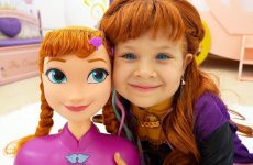 Diana-as-Princess-Elsa-and-Anna