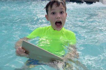 Maks-nashel-svoj-iPad-v-vode