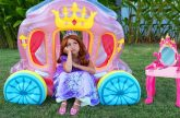 Sofiya-naryazhaetsya-i-sobiraetsya-na-bal-Printsess-Sofia-dresses-up-and-going-to-the-Princess-ball