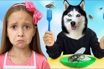 Sofiya-igraet-v-restoran-i-gotovit-na-detskoj-igrovoj-kuhne