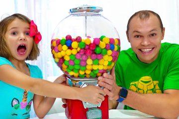 Maks-i-Katya-i-igra-za-sladosti-s-vrednym-papoj