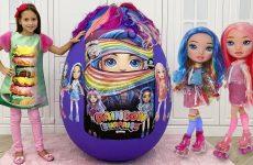 Sofiya-i-Gigantskoe-yajtso-Novye-Kukly-Pupsi-ili-Giant-Egg-with-POOPSIE-RAINBOW-SURPRISE-DOLLS