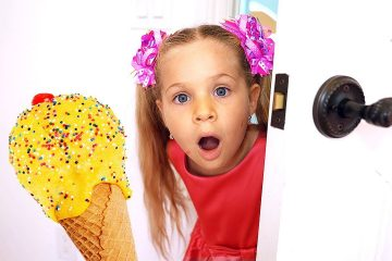 Diana-and-Roma-Pretend-Play-Selling-Ice-Cream-with-Daddy