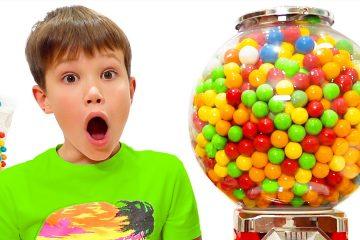 Maks-i-Katya-hotyat-kupit-shokolad-i-konfety-u-prodavtsa-sladostej