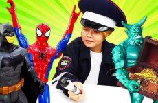 Novye-igry-CHelovek-Pauk-i-Betmen-Kto-pomozhet-supergeroyam-Smeshnye-video-dlya-malchikov